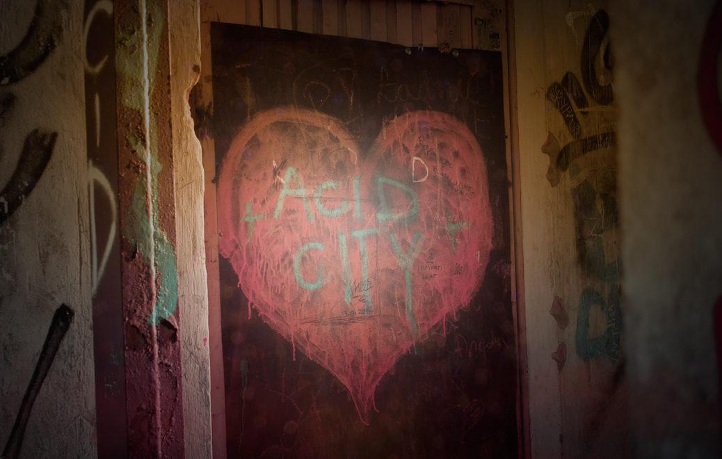 Jak się zachować, gdy dziecko nakryje nas na uprawianiu miłości?