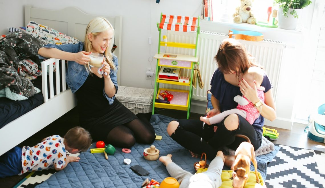Nie ma znaczenia, jak twoje wybory komentują inne matki. Ważne, jak widzi cię twoje dziecko!